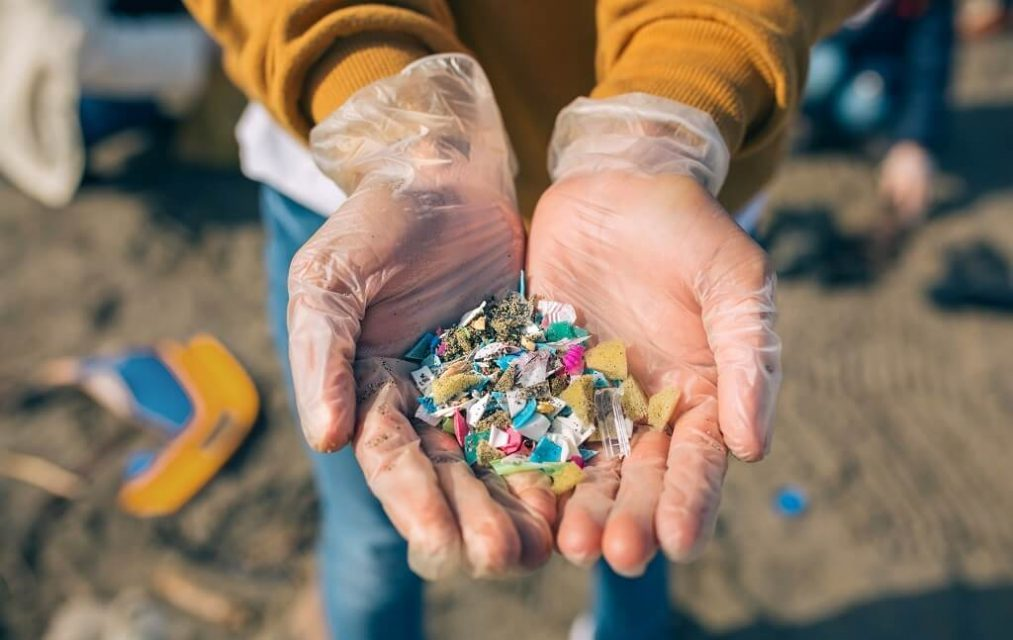 Microplastics of textile origin: how to reduce pollution in the sea